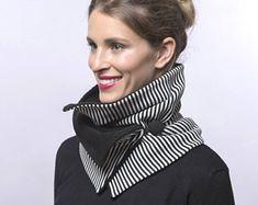Bufanda con rayas blanco y negro, cuello bufanda con tela polar y botón