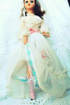 Scrap da Ana Caldatto: Bota Cor de Rosa da Boneca Susi Noiva