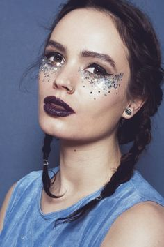 Silver Makeup Ideas for a Holyday Look