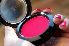 """mac blush- looks like """"frankly scarlet"""" one of my favs! mac blush- looks like """"frankly scarlet"""" one of my favs! Love Makeup, Makeup Tips, Hair Makeup, Amazing Makeup, Blush Makeup, Perfect Makeup, Makeup Goals, All Things Beauty, Beauty Make Up"""
