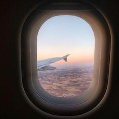 Cómo ahorrar viajando en avión Travel Pictures Poses, Near Future, Sky Aesthetic, Private Jet, Picture Poses, Aesthetic Pictures, Airplane View, Spain, Vacation