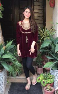 Trendy Dress Casual Winter Pakistani Ideas, Source by Dresses indian Pakistani Fashion Casual, Pakistani Dresses Casual, Pakistani Dress Design, Indian Dresses, Indian Outfits, Indian Fashion, Velvet Pakistani Dress, Pakistani Couture, Indian Designer Outfits