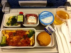 One of my fave Lunch meals in the sky from Cathay Pacific enroute from Tokyo, Japan - Hong Kong, it's around early December 2018. Their fantastic menu : Spaghetti with seafood tomato sauce and brocolly. Cold soba with the soya sauce and Haagen Dazs as dessert.