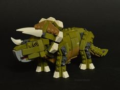 LEGO Triceratops. Great colors and design