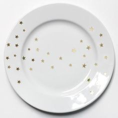 A Gold-Star Plate DIY for Your Awards Show Soiree! - Step 4 #InStyle