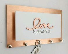 Home Design, Wooden Keychain, Love Rose, Wooden Art, Hand Lettering, Designer, Room Decor, Place Card Holders, Inspiration