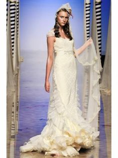 Victorio Lucchino Wedding Dress