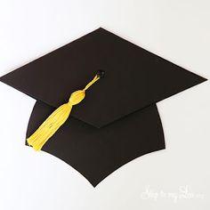 La Super Mamy: invitación sombrero de graduación y egresados.