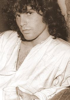 I like my men - slightly insane, drunk, stoned, and poetic. So basically I am obssesed and in love with Jim Morrison. <3
