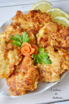 Kotlety drobiowe z serem Składniki: 2 filety z piersi… na Stylowi.pl Good Food, Yummy Food, Hungarian Recipes, Baked Chicken Recipes, Recipes From Heaven, Aesthetic Food, Dinner Recipes, Food And Drink, Cooking Recipes