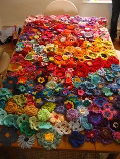 Make wildflower blanket for Bee. Yarndale 2015 :: Flowers for Memories Crochet a flower garden afghan-- perfect for using up scrap yarn This time go overboard with freeform crochet flowers and make your bed bloom. Crochet Afghans, Freeform Crochet, Crochet Stitches, Crochet Blankets, Crochet Pillow, Crochet Bedspread, Crochet Flower Patterns, Crochet Flowers, Knitting Patterns