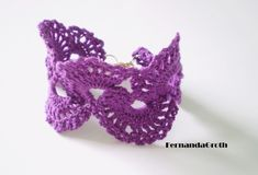 Lacy bracelet with chart Crochet Mask, Thread Crochet, Quick Crochet Gifts, Jewelry Bracelets, Crochet Earrings, Knitting, Pattern, Crafts, Digital Camera