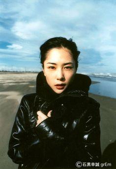 深津絵里がいつまでも魅力的でかわいい!出演映画、ドラマ、ファッションまとめ【画像】 | Ciatr[シアター] Japanese Icon, Japanese Models, Japanese Beauty, Japanese Girl, Asian Beauty, Beautiful Person, Beautiful People, Beautiful Women, Model Photos