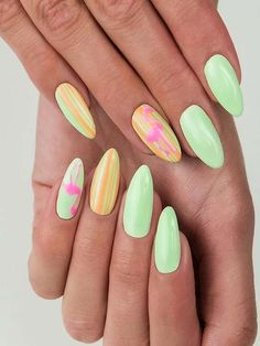 beautiful party nails arts,very nice and beautiful women nails idea see recently in this time best wedding nails arts designs 2019 Latest Nail Designs, Latest Nail Art, Nail Art Designs, Bridal Nail Art, Making The Band, Pretty Nail Colors, Nail Art Images, Party Nails, Foil Nails