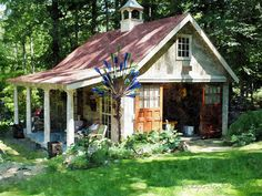 Garden shed interiors studios backyards Ideas - Modern Painted Garden Sheds, Wooden Garden, Shed Conversion Ideas, Garden Shed Interiors, Shed With Porch, Home And Garden Store, Backyard Sheds, Backyard Studio, Backyard Chickens