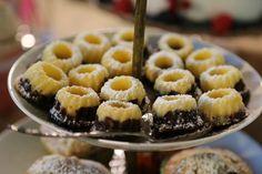 Mini-Marmor-Gugl. Die kleinen, feinen Backwaren sind mit einem Haps im Mund und werden eure Gäste begeistern. So gut schmeckt nur selbstgebacken.  http://eat.dasbestefuergaeste.de/blog/geschmack-geguglt
