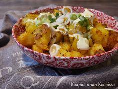 Kääpiölinnan köökissä: Mausteinen perunasalaatti valkosipulikastikkeella
