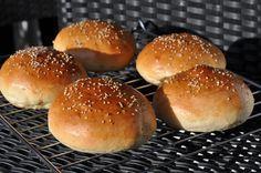 Recipe: The best hamburger buns Burger Recipes, Grilling Recipes, Veggie Recipes, Brunch Recipes, Breakfast Recipes, Burgers On The Stove, Burger Co, Burger Seasoning, Hamburger Buns