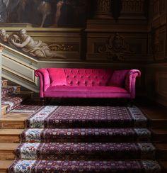 The Camden sofa in Cerise Velvet. A beautiful pink velvet tufted Chesterfield sofa. Velvet Chesterfield Sofa, Velvet Couch, Home Interior, Interior Design Living Room, Living Colors, Pink Couch, Guest Bedroom Decor, Corner Sofa, Living Room Sofa