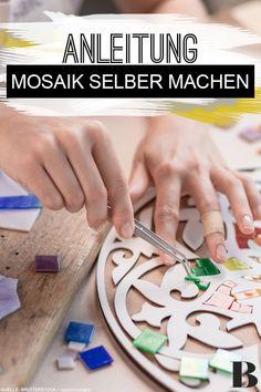 Mosaik selber machen: Schritt für Schritt erklärt. Mosaik bietet vielfältige Möglichkeiten, um Flächen und Möbel zu verschönern. Wie die Technik gelingt, erfährst du hier! #moasik #selfmade #diy #kreativität Wood Spool, Student Planner, Diy Kitchen, Nifty, Sweet Home, About Me Blog, Designs, School Supplies, Homework