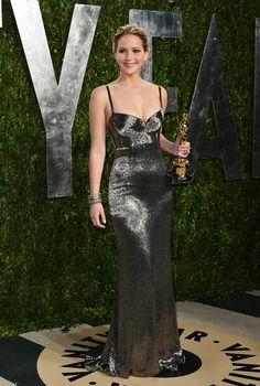 Gala de Vanity Fair en la noche de los Oscares 2013 - Jennifer Lawrence | Galería de fotos 12 de 30 | Vogue México