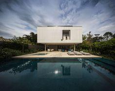 Casa Branca, São Sebastião, Brazil   StudioMK27 - Marcio Kogan