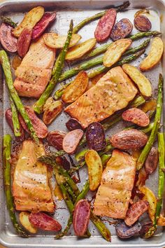 Quick and Easy Dinners: Sheet Pan Mustard Maple Salmon with Potatoes and Asparagus Recipe. Looking for ideas for healthy meals to make on weeknights? This SIMPLE fish dinner is the answer! Salmon Recipes, Seafood Recipes, Fish Recipes, Seafood Dishes, Maple Salmon, Mustard Salmon, Glazed Salmon, Honey Mustard, Dijon Salmon