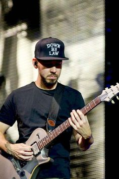 Mike Shinoda // absolutely love his voice♡