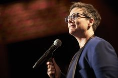 Hannah Gadsby Refuses To Make Lesbianism The Butt Of The Joke