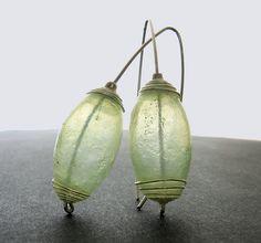 Kathrin Neumaier: Grüne Laternchen. amazing translucent polymeer clay