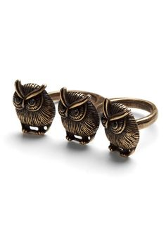 This ring is so easy to wear and of course has one of my favorite animals on it