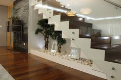 Vind afbeeldingen van klasieke Gang, hal & trappenhuis door HC Interiores. Ontdek de mooiste foto's & inspiratie en creëer uw droomhuis.