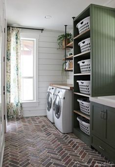 75 farmhouse laundry room decor ideas farmhouse decor ideen farmhouse laundry room decor ideas farmhouse decor ideen waschkucheOur DIY farmhouse laundry room - The Reveal!DIY Farmhouse Laundry Room - Click through for a source Mudroom Laundry Room, Laundry Room Layouts, Laundry Room Remodel, Laundry Room Organization, Laundry Room Design, Laundry In Bathroom, Laundry Storage, Laundry Decor, Organization Ideas