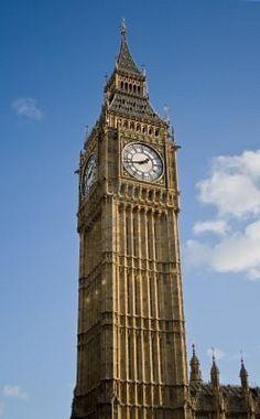 Vertical vista de la Big Ben Torre del Reloj Foto de archivo - 3971635