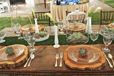 Rustic Table Setting, Rustic Wedding, Country Wedding, Country Table Setting, Dairy Barn Bridal Show- a Creative Solutions Event www.csspecialevents.com