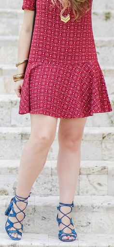 This flirty burgundy dress from Banana Republic is so perfect for spring and summer! I'm love the fluttery skirt, and the gorgeous blue lace-up sandals too! How cute would this look be for an FSU game day in the fall? Click through this pin to see the full outfit by Ashley Brooke Nicholas! #itsbanana @bananarepublic