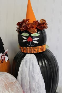 8 Halloween Painted Pumpkin Ideas LivingLocurto.com