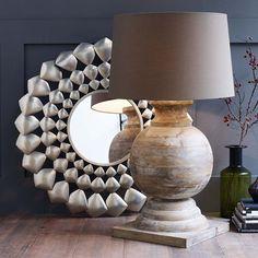 MARAVILLA the art of living l12 XXL-Leuchte, stilvoll mit leicht gekalktem Mangoholzfuß und Baumwollschirm in Taupe. Max. 40 W/E 27 (exklusive). Höhe ca. 95 cm, Ø ca. 55 cm.