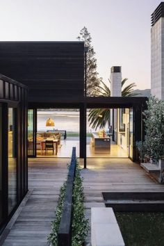 The Black House Exterior Design of Pure Darkness Residential Architecture, Interior Architecture, House Architecture Styles, Futuristic Architecture, Sustainable Architecture, Contemporary Architecture, Beach House Decor, Beach House Designs, Exterior Design