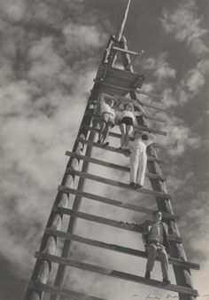 Sharks at Blackhead Beach Max Dupain Australian photographer. National Gallery of Victoria, Melbourne. low angle point makes the ladder seem even taller whilst also capturing a lot of sky Australian Photography, History Of Photography, Australian Art, Art Photography, Terra Australis, Black White, Rocky Horror Picture, Shark Week, Old Photos