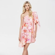 Pretty, pink and floral. How cute is this Forever New Spring Racing dress?