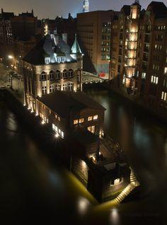 Wasserschlößchen, Speicherstadt, Hamburg | weitergepinnt von der #Werbeagentur www.BlickeDeeler.de aus #Hamburg