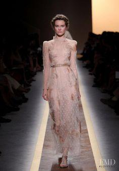 Photo feat. Monika Jagaciak - Valentino - Spring/Summer 2012 Ready-to-Wear - paris - Fashion Show | Brands | The FMD #lovefmd