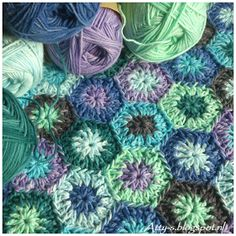 Atty's : Playing with Sunkissed Yarn