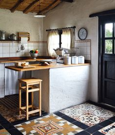 Minimal and functional Kitchen Inspirations, Kitchen Colors, Small Kitchen, Kitchen Decor, Kitchen Dining Room, Kitchen Dining, Traditional Kitchen, Rustic Kitchen, Rustic House