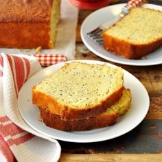 Lemon, Poppy Seed & Olive Oil Loaf Cake - this an easy recipe perfect for the spontaneous bakers!