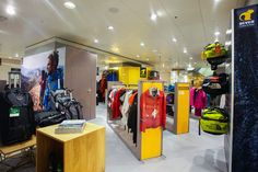 Bever shop in shop at de Bijenkorf by Hello hero & Con'fetti, Netherlands