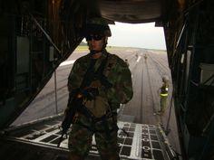 Fuerza Aérea Colombiana entrena sus tripulaciones para el ejercicio Angel Thunder Thunder, Master Chief, Batman, Superhero, Fictional Characters, Air Force, Training, Exercises, Fantasy Characters