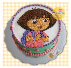 Dora's cake. Pastel marmoleado con relleno de mermelada de fresa y betún de chocolate