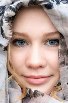 girl with blue eyes Blue Eyes, Game Of Thrones Characters, Portrait, Headshot Photography, Portraits